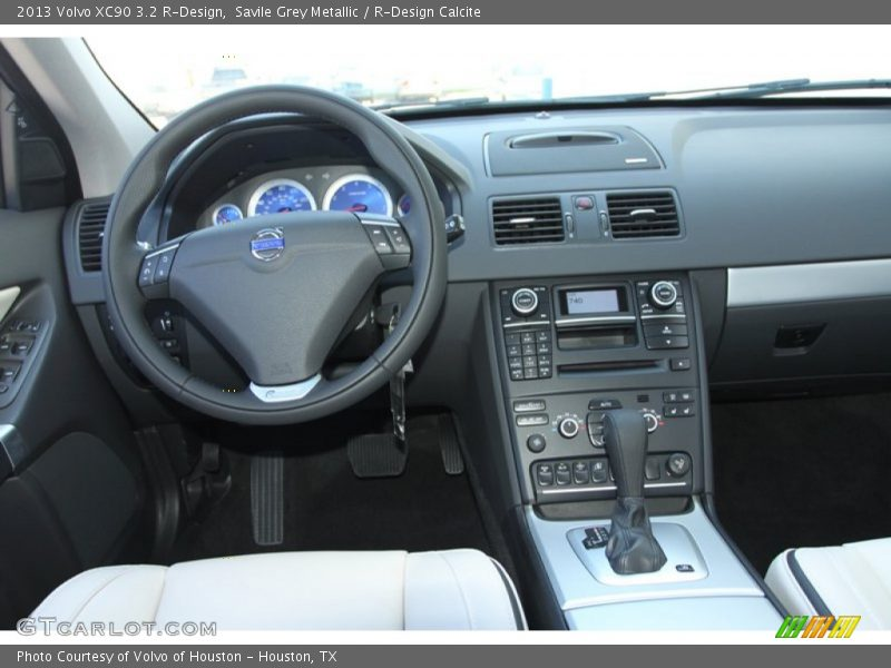 Dashboard of 2013 XC90 3.2 R-Design