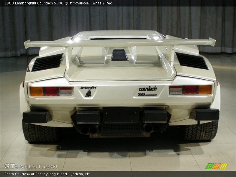 1988 lamborghini countach 5000 quattrovalvole in white photo no 86518 gtca. Black Bedroom Furniture Sets. Home Design Ideas