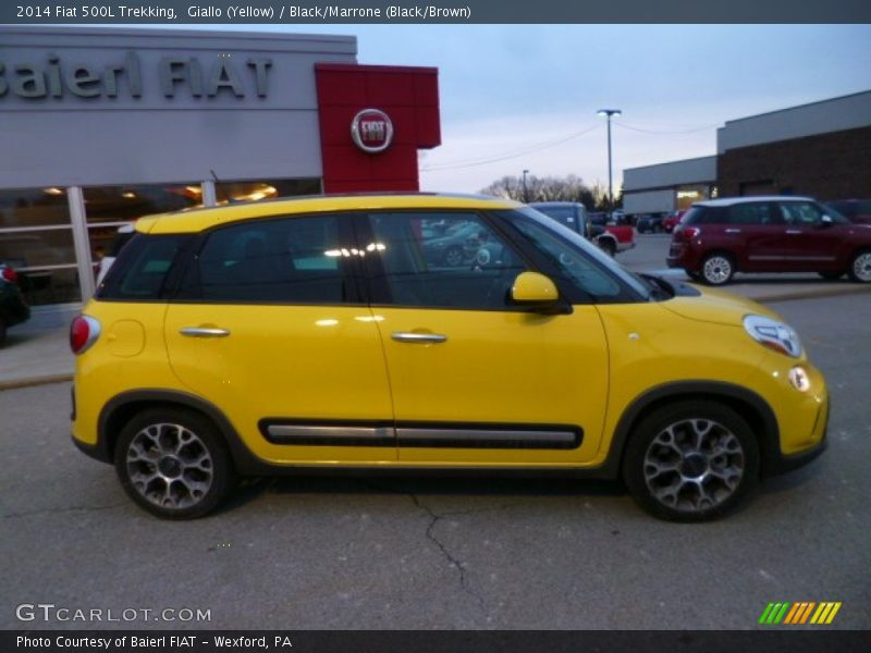 2014 fiat 500l trekking in giallo yellow photo no. Black Bedroom Furniture Sets. Home Design Ideas