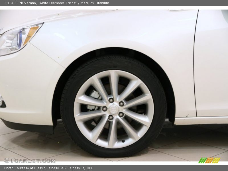 White Diamond Tricoat / Medium Titanium 2014 Buick Verano