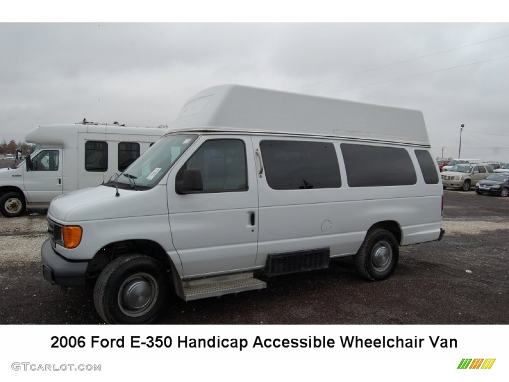 2006 Oxford White Ford E Series Van E350 Commercial