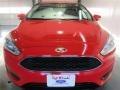 2015 Race Red Ford Focus SE Sedan  photo #2