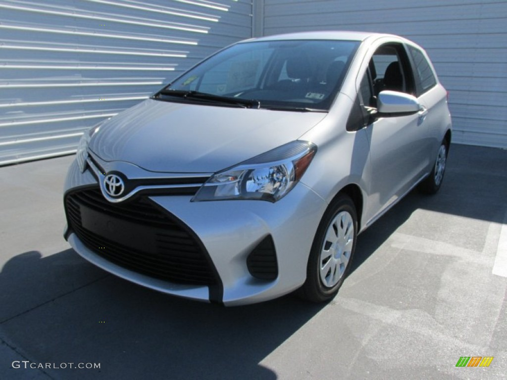 Classic Silver Metallic 2015 Toyota Yaris 3 Door L Exterior Photo 101594927