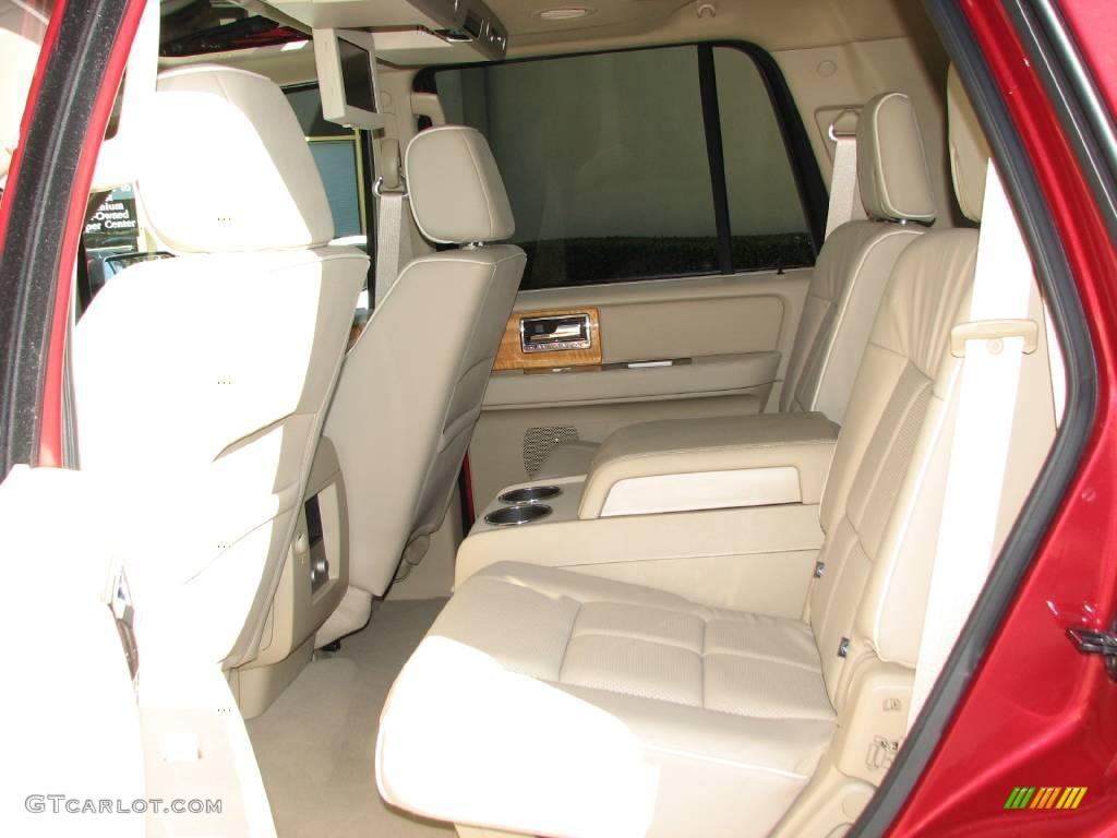 2007 Navigator Luxury - Vivid Red Metallic / Camel photo #9