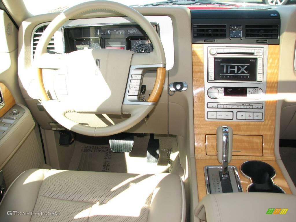 2007 Navigator Luxury - Vivid Red Metallic / Camel photo #12