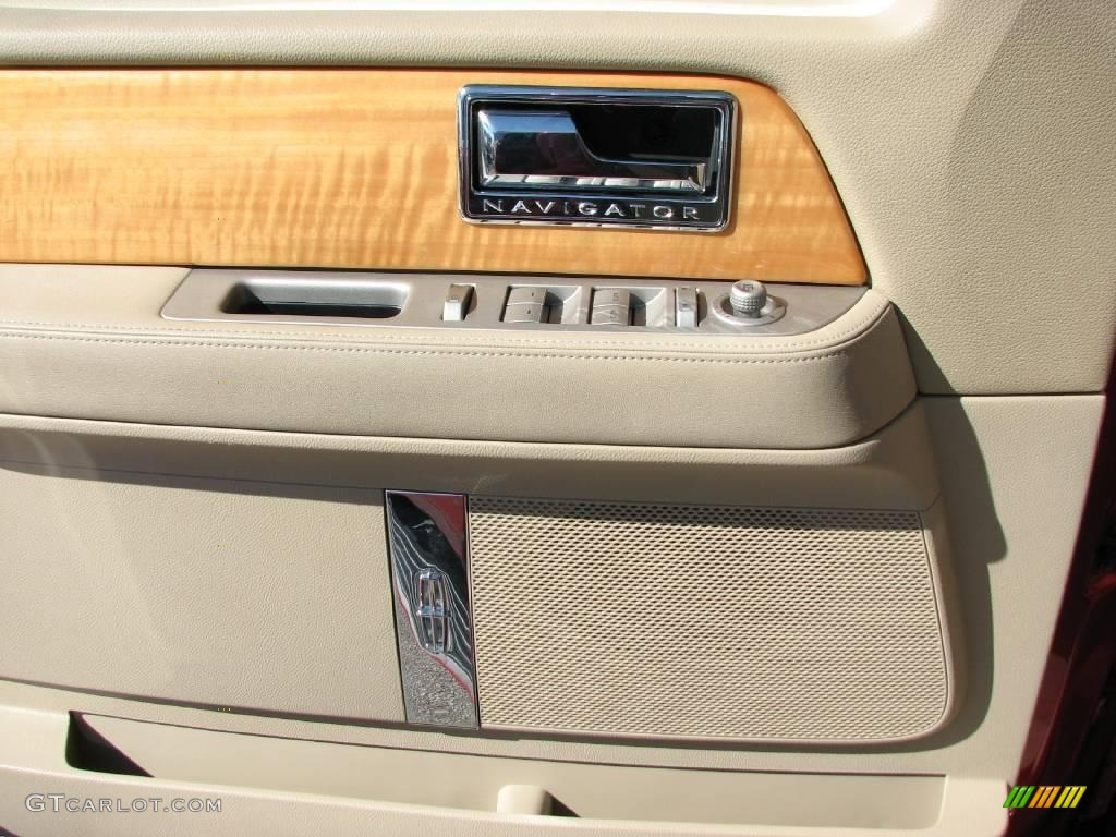 2007 Navigator Luxury - Vivid Red Metallic / Camel photo #13