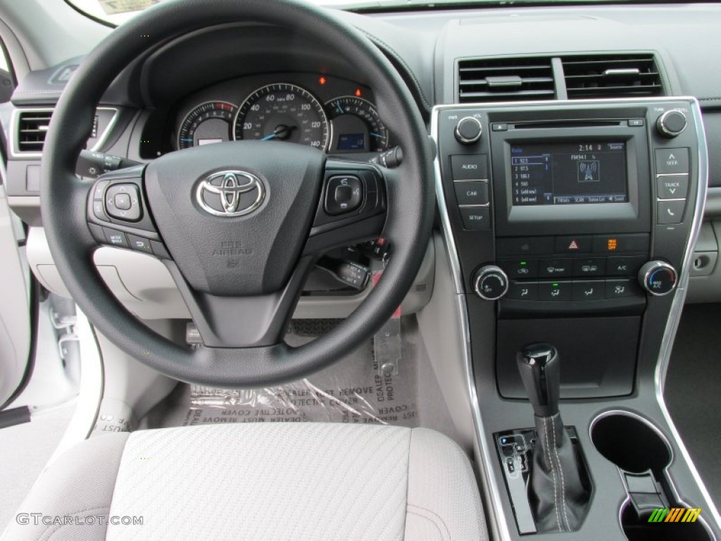 2015 toyota camry le dashboard photos. Black Bedroom Furniture Sets. Home Design Ideas