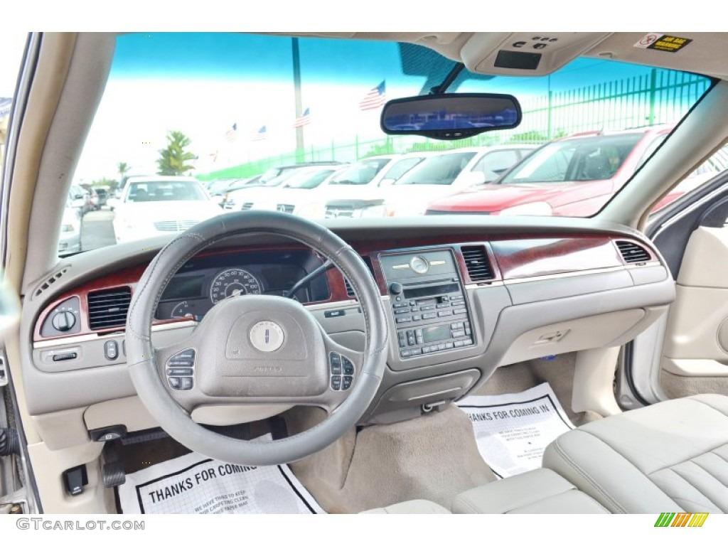 2003 lincoln town car executive medium dark parchment light parchment dashboard photo 101824934. Black Bedroom Furniture Sets. Home Design Ideas