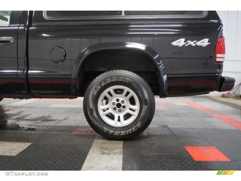 2003 Dakota Regular Cab 4x4 - Black / Dark Slate Gray photo #50