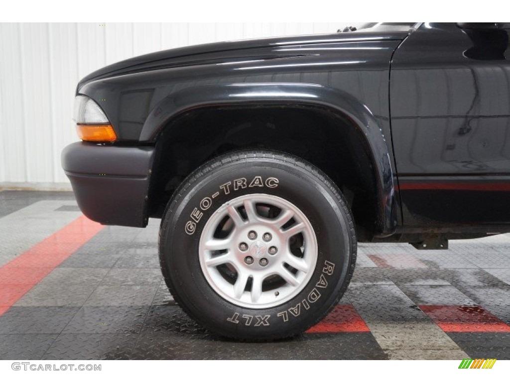 2003 Dakota Regular Cab 4x4 - Black / Dark Slate Gray photo #58