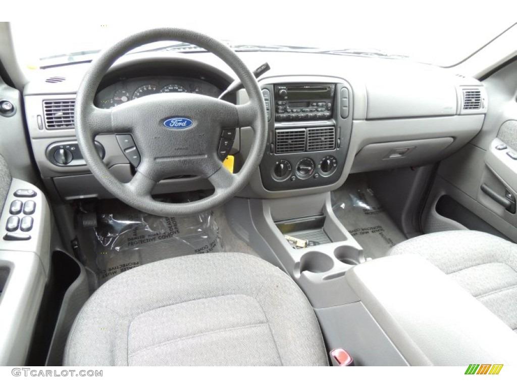 2003 Ford Explorer XLS 4x4 Dashboard Photos