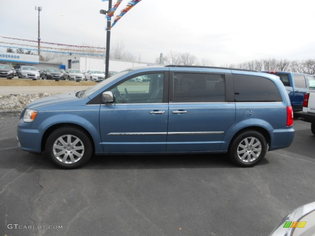 crystal blue pearl 2012 chrysler town country touring. Black Bedroom Furniture Sets. Home Design Ideas