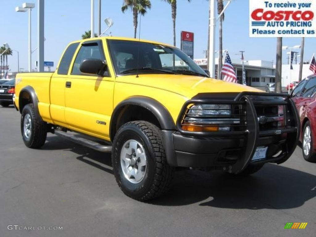 2003 Yellow Chevrolet S10 Zr2 Extended Cab 4x4 1011122 Gtcarlot