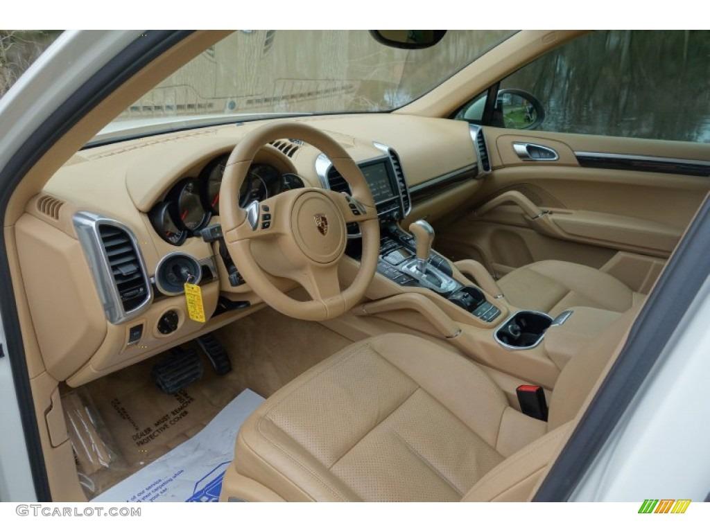 2012 porsche cayenne standard cayenne model interior color photos for Porsche cayenne interior images