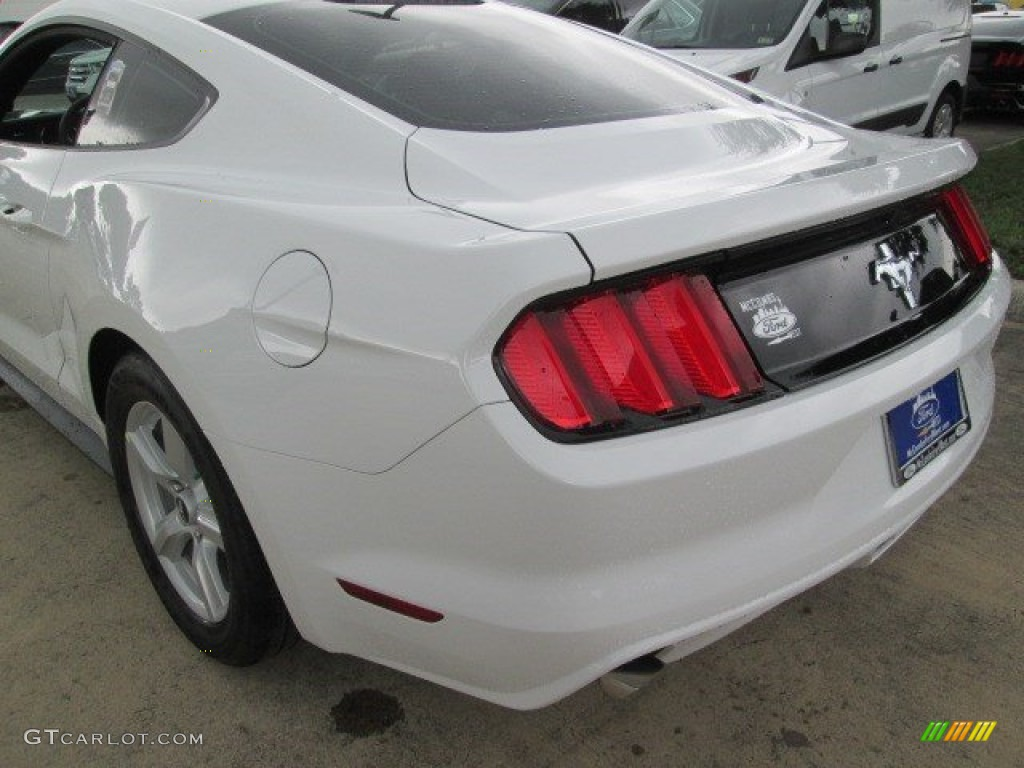 2015 Mustang V6 Coupe - Oxford White / Ebony photo #13