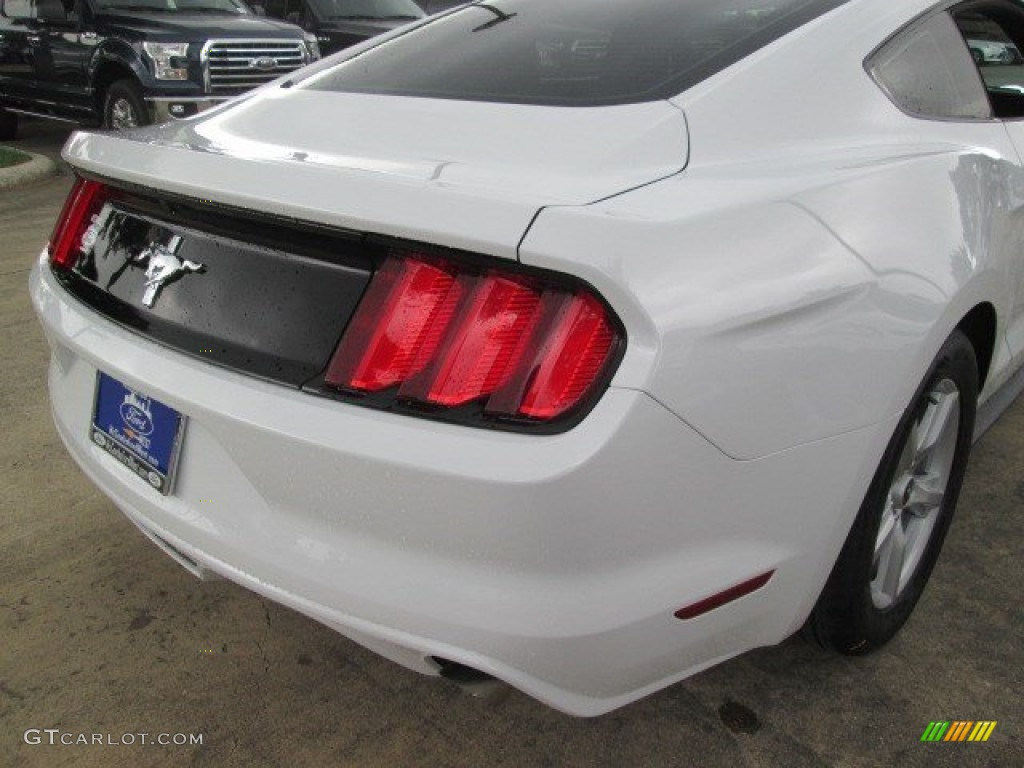 2015 Mustang V6 Coupe - Oxford White / Ebony photo #18