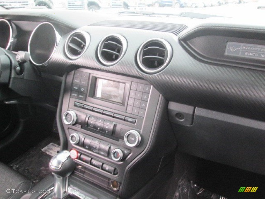 2015 Mustang V6 Coupe - Oxford White / Ebony photo #24