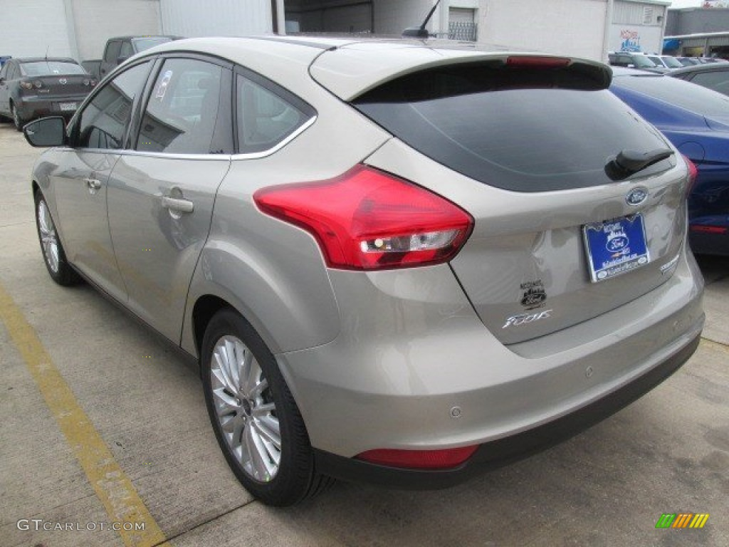 2015 Focus Titanium Hatchback - Tectonic Metallic / Medium Soft Ceramic photo #1