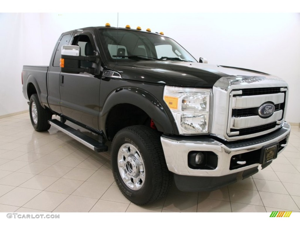 2013 tuxedo black metallic ford f250 super duty xlt. Black Bedroom Furniture Sets. Home Design Ideas