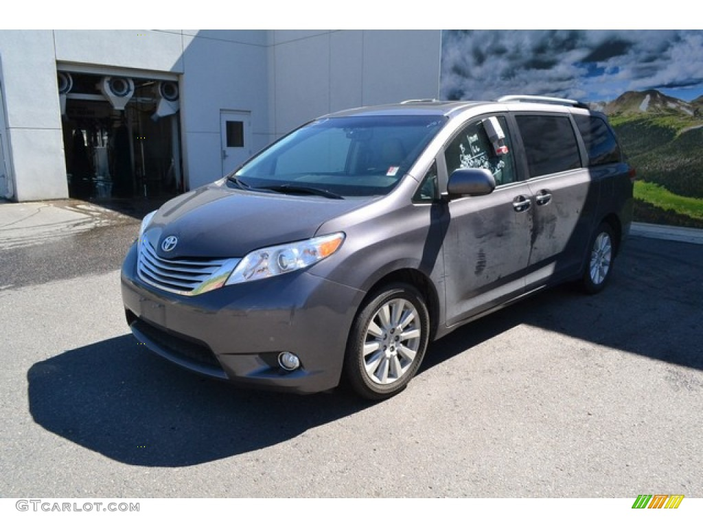 2012 Sienna Limited AWD - Predawn Gray Mica / Light Gray photo #5