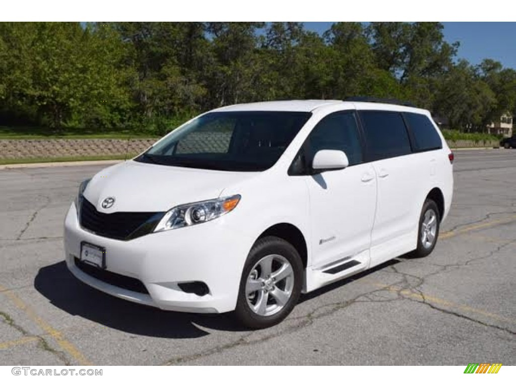 2014 super white toyota sienna le 104961288 car color galleries. Black Bedroom Furniture Sets. Home Design Ideas