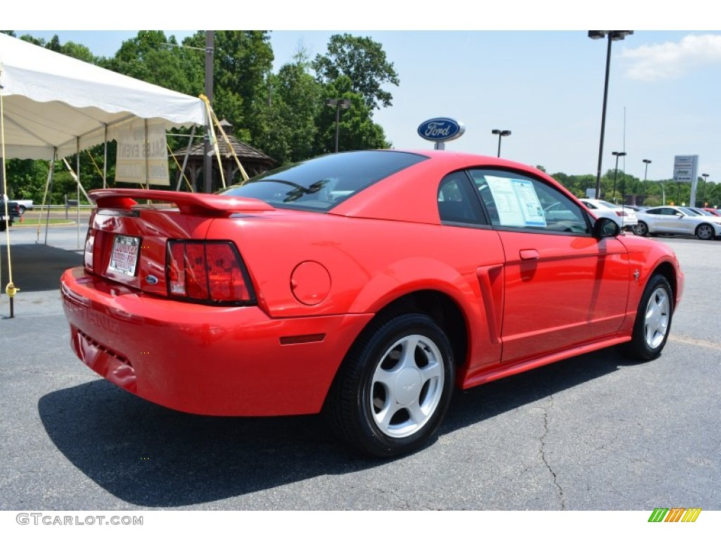 2002 Mustang V6 Coupe - Laser Red Metallic / Dark Charcoal photo #3