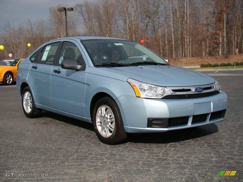 2009 light ice blue metallic ford focus se sedan 10548601. Black Bedroom Furniture Sets. Home Design Ideas
