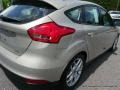 2015 Tectonic Metallic Ford Focus SE Hatchback  photo #37