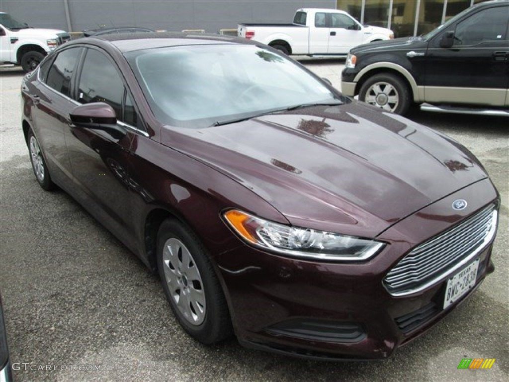 2013 Fusion S - Bordeaux Reserve Red Metallic / Earth Gray photo #1