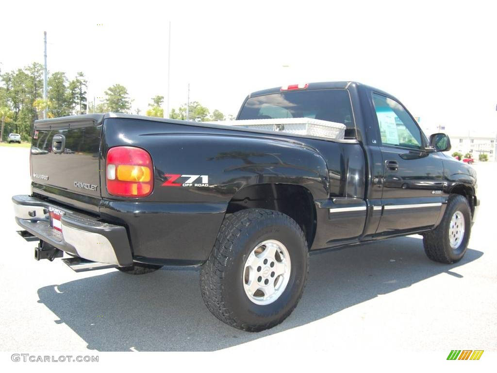 2002 Silverado 1500 LS Regular Cab 4x4 - Onyx Black / Graphite Gray photo #6
