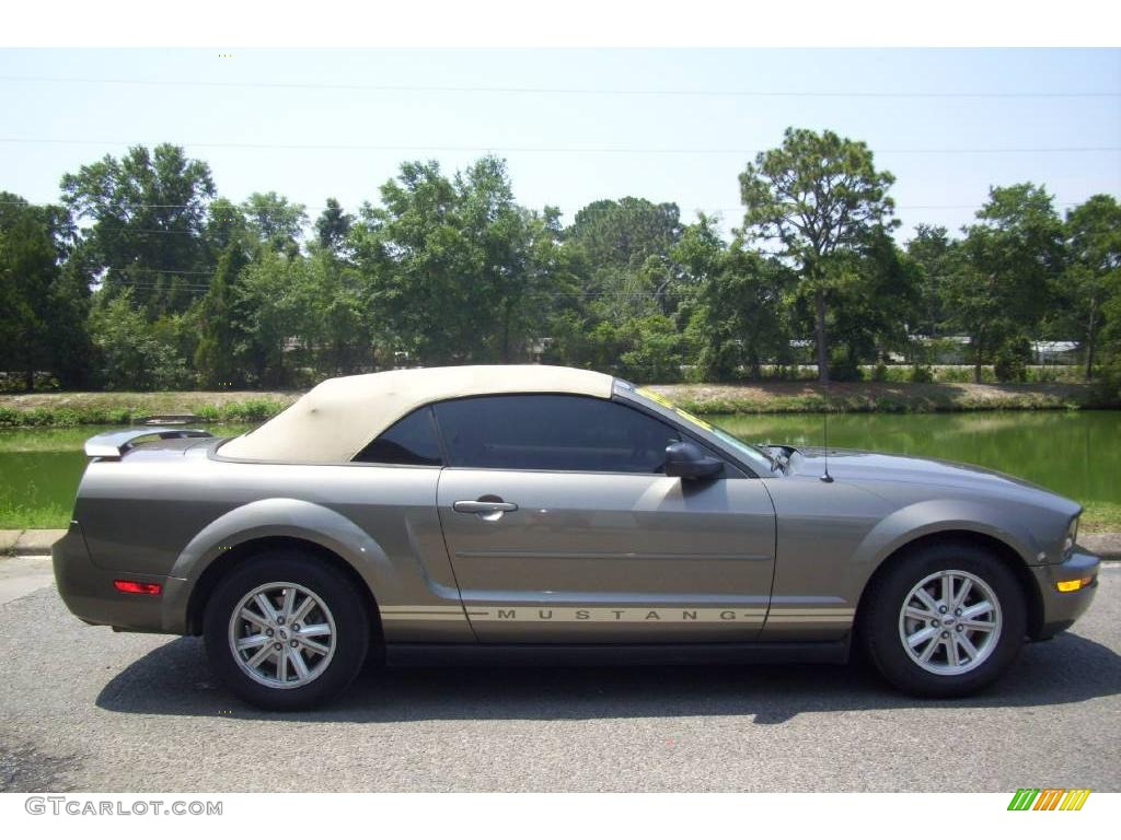 2005 Mustang V6 Deluxe Convertible - Mineral Grey Metallic / Medium Parchment photo #1