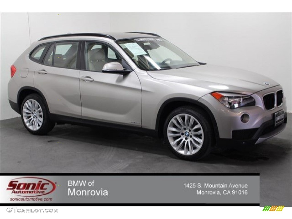 2013 cashmere silver metallic bmw x1 sdrive 28i 106444366. Black Bedroom Furniture Sets. Home Design Ideas