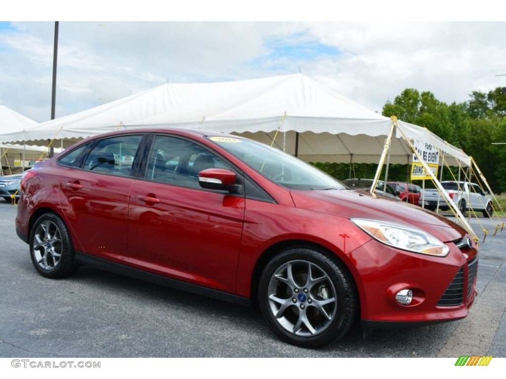 2014 focus se sedan ruby red charcoal black photo 1