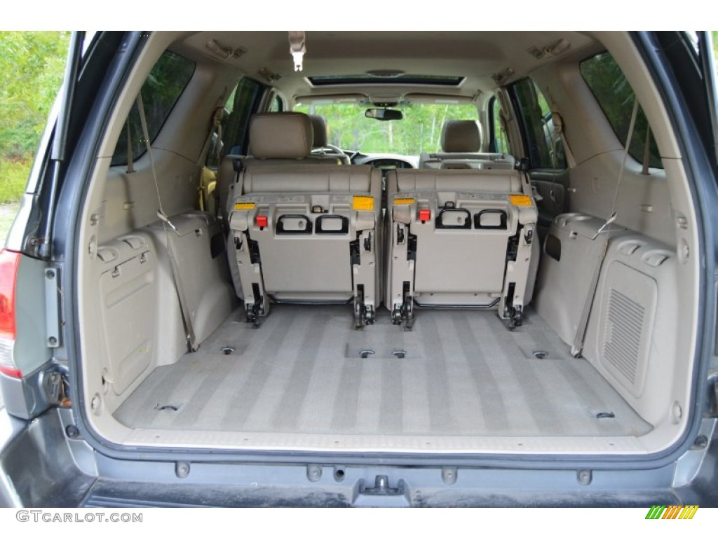 2006 toyota sequoia limited trunk photos