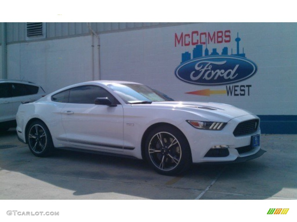 2016 oxford white ford mustang gt cs california special coupe 106849890 car. Black Bedroom Furniture Sets. Home Design Ideas
