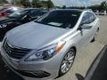 Front 3/4 View of 2015 Azera Limited