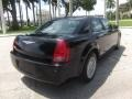 2005 Brilliant Black Crystal Pearl Chrysler 300   photo #4