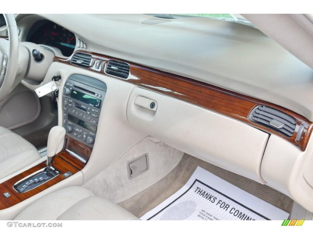 2002 Cadillac Seville Sls Neutral Shale Dashboard Photo