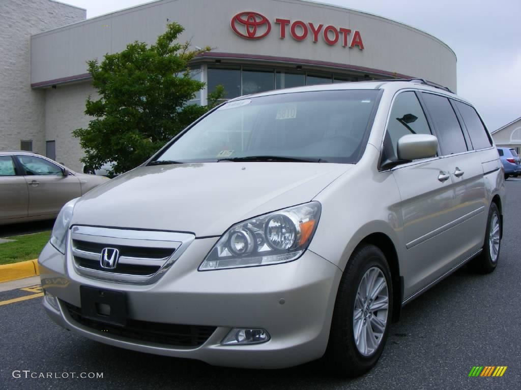 Silver Pearl Metallic Honda Odyssey. Honda Odyssey Touring