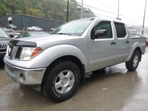 2005 nissan frontier se crew cab 4x4 data info and specs. Black Bedroom Furniture Sets. Home Design Ideas