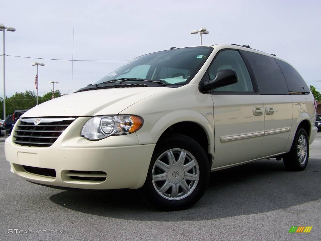 2007 cool vanilla white chrysler town country touring 10722272 photo 4 car. Black Bedroom Furniture Sets. Home Design Ideas