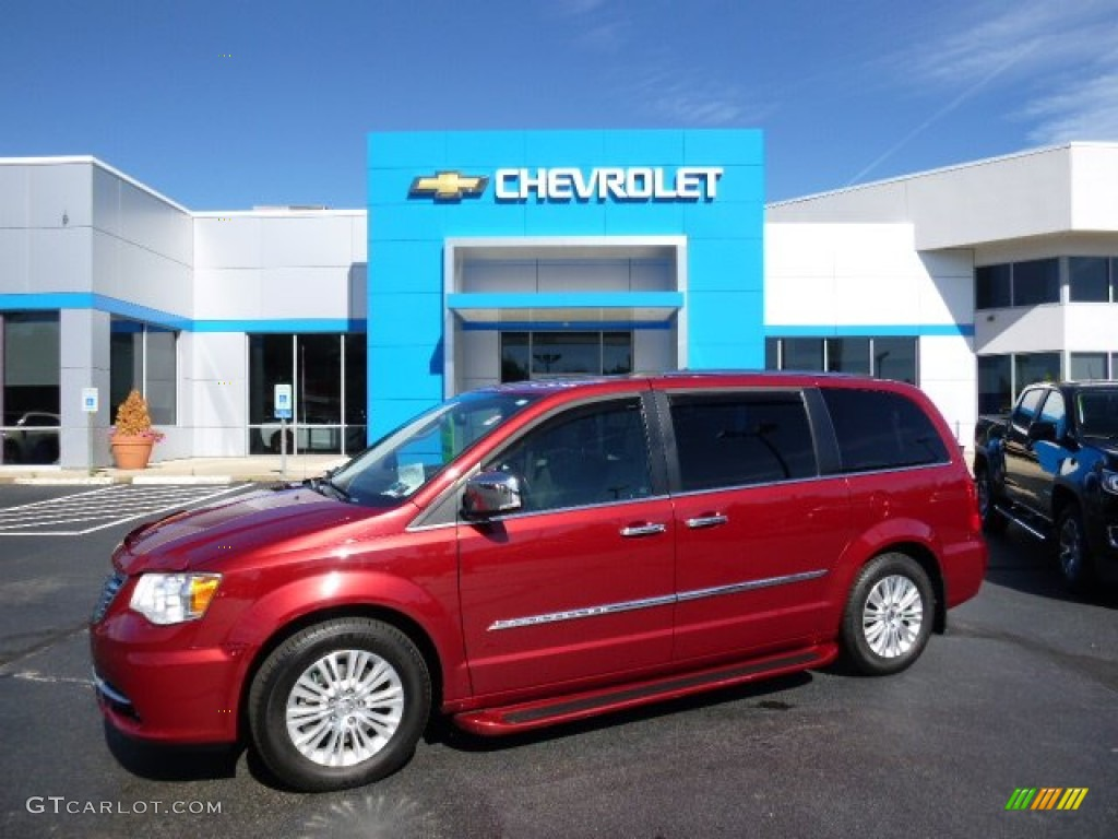 deep cherry red crystal pearl 2012 chrysler town country limited exterior photo 107708631. Black Bedroom Furniture Sets. Home Design Ideas