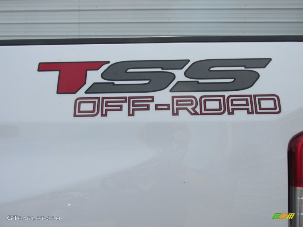 2016 Toyota Tundra TSS CrewMax 4x4 Marks and Logos Photo #107811881