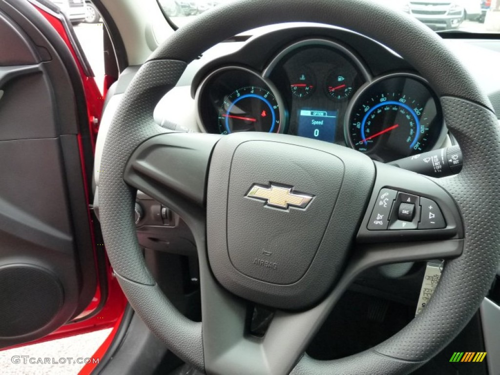 2016 Chevrolet Cruze Limited LS Steering Wheel Photos