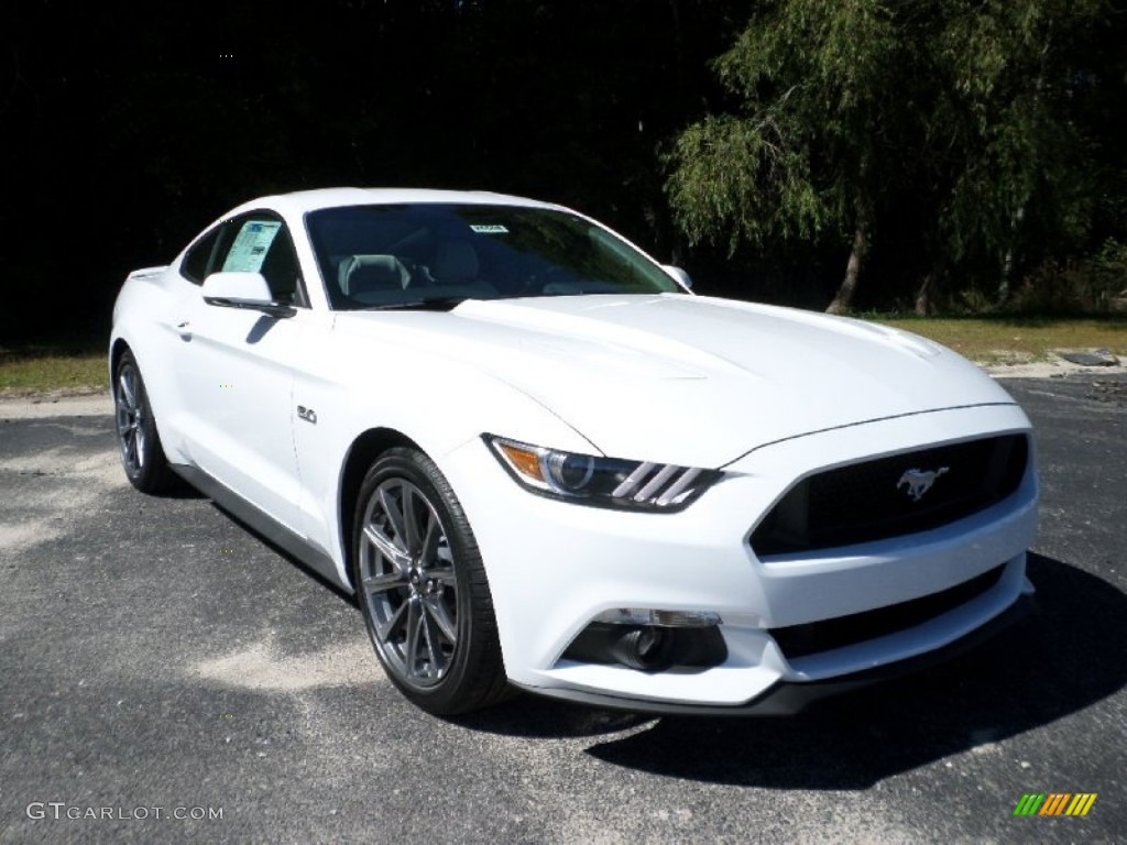 Oxford White Ford Mustang Gt Coupe
