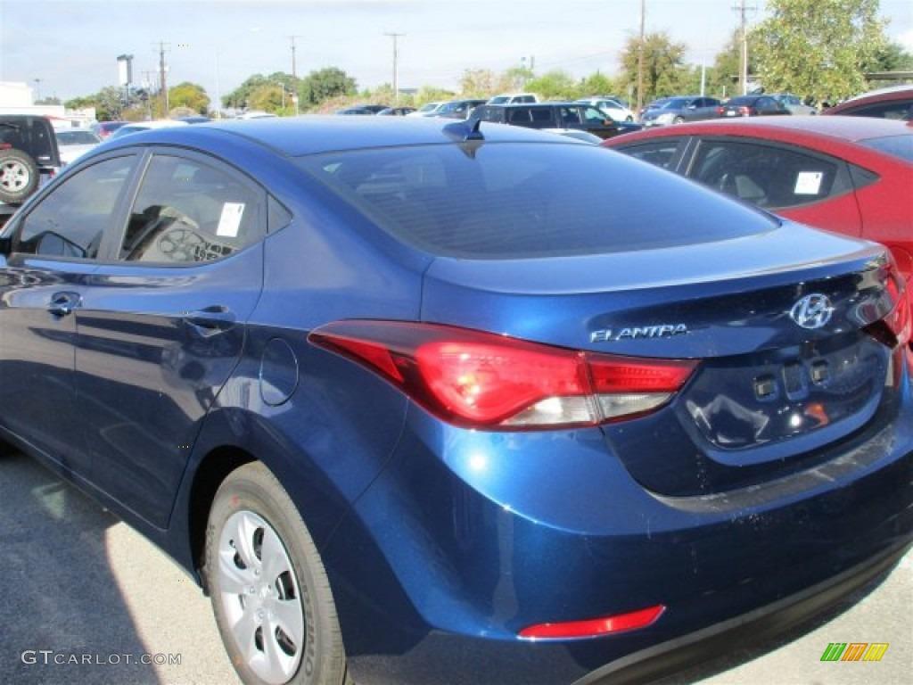 2016 blue hyundai elantra se 108083441 photo 4 car color galleries for Hyundai elantra interior colors