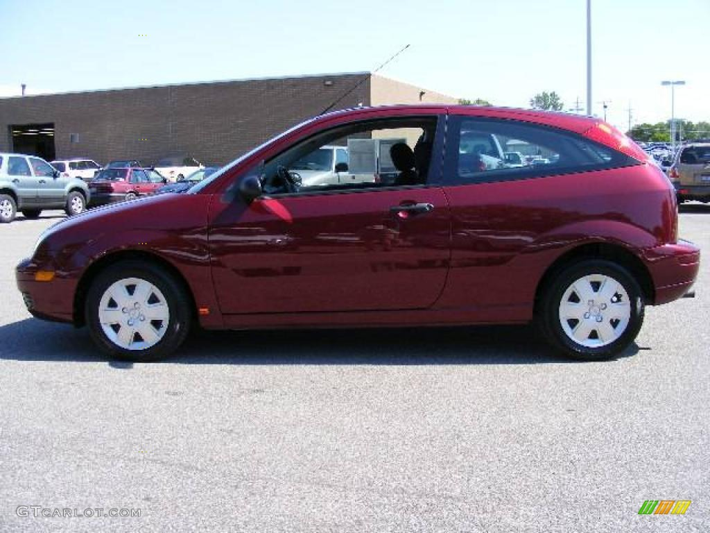 2006 dark toreador red metallic ford focus zx3 s hatchback. Black Bedroom Furniture Sets. Home Design Ideas