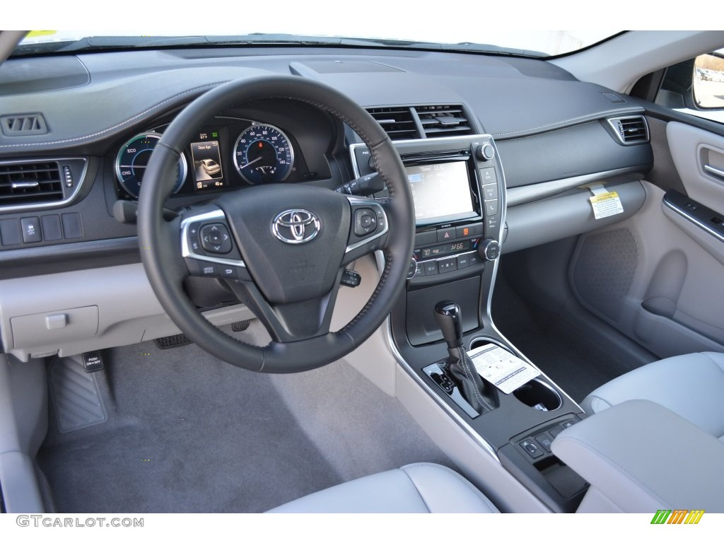 Ash Interior 2016 Toyota Camry Hybrid Xle Photo 108947629