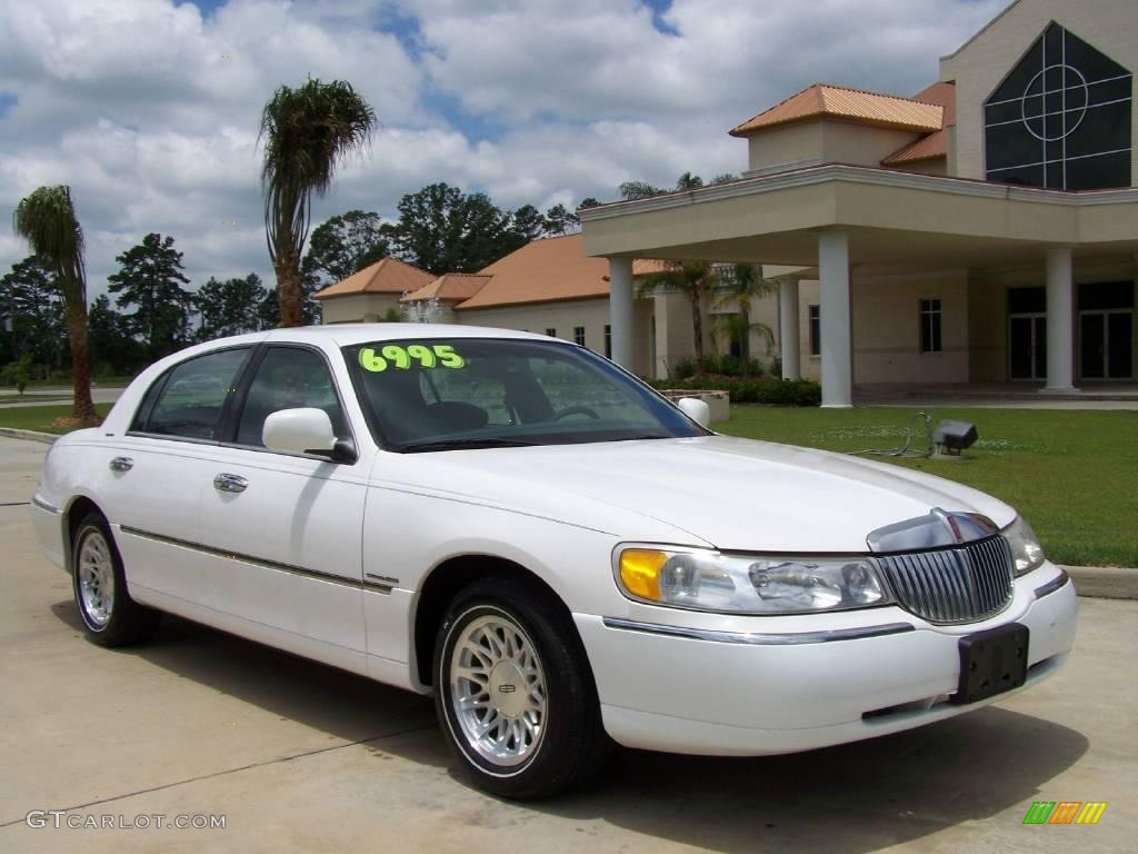 1999 performance white lincoln town car signature 10907197 photo 14 car color. Black Bedroom Furniture Sets. Home Design Ideas