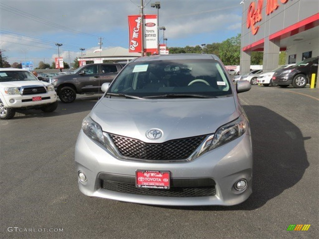 2012 Sienna SE - Predawn Gray Mica / Dark Charcoal photo #3